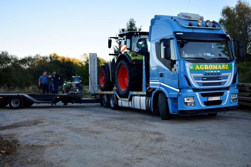 Transport maszyn rolniczych firmy Agromasz Logistic.